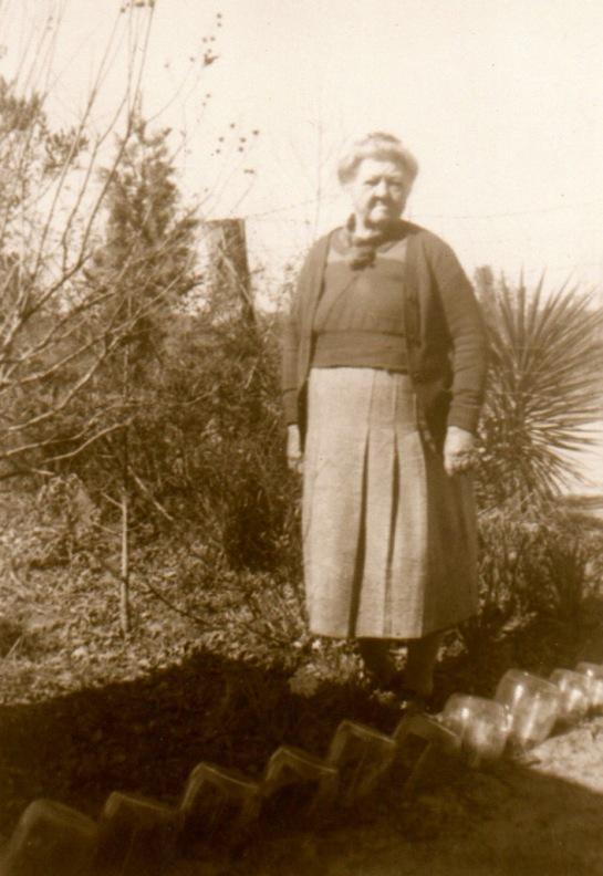 MISS ROSIE SASNETT